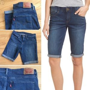 Levi's Bermuda shorts in medium wash